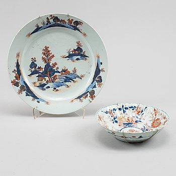 An imari dish and an imari bowl, Qing dynasty, Qianlong (1736-95).