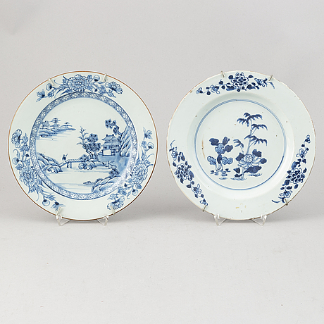 A group of 11 blue and white dinner plates, qing dynasty, qianlong (1736-95).