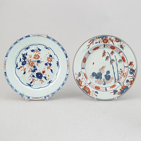 A group of 7 imari dishes, qing dynasty, qianlong (1736-95).