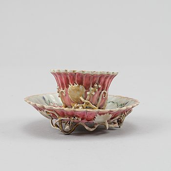 A famille rose cup with stand, Qing dynasty, Yongzheng (1723-35).