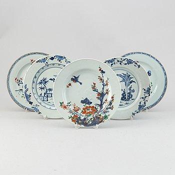 A set of five export plates, Qing dynasty, Qianlong (1736-95).
