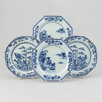A set of four blue and white dishes (2+2), Qing dynasty, Qianlong (1736-95).