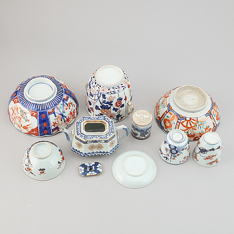 A group of nine porcealin objects from japan and china, qing dynasty and meiji, 18-20th century.