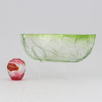A Bohemian engraved glass jardinere and miniature vase, eraly 20th Century.