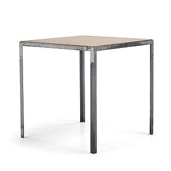"""Stina Lindholm, trädgårdsbord, """"N–table"""", Skulpturfabriken, samtida produktion."""