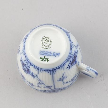 A 19 pcs coffee service 'musselmalet' from royal copenhagen.