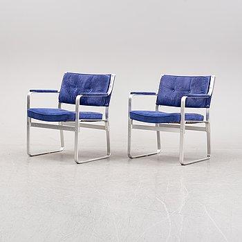 "Karl Erik Ekselius, fåtöljer ett par ""Mondo"" JOC möbler 1900-talets senare del."