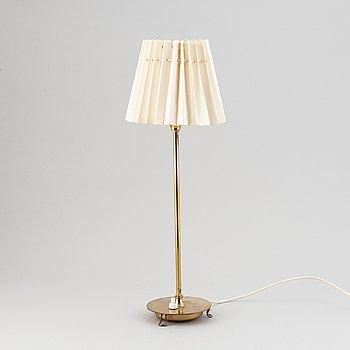 A model 2552 brass table lamp by Josef Frank for Firma Svenskt Tenn.