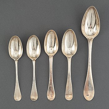 Five silver spoons, including  Arvid Floberg, Stockholm, 1784, and Gustaf Stafhell d.ä, Stockholm, 1735.