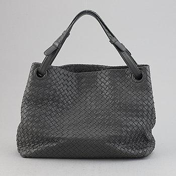 Bottega Veneta, a grey intrecciato leather handbag.