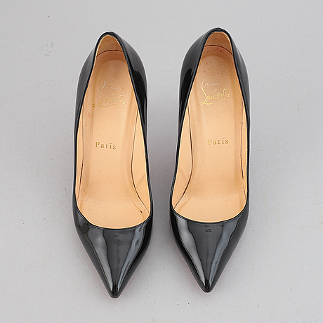 Christian louboutin, a pair of patent leather high heel shoes, size 37 ½.