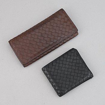 Bottega Veneta, two intrecciato leather wallets.
