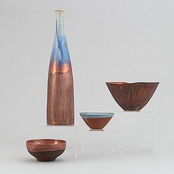 Sven Hofverberg, a set of three stoneware bowls and a vase, mid 20th Century.