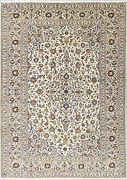 A carpet, Kashan, ca 360 x 250 cm.