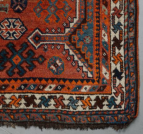 A rug, shiraz, ca 158 x 170 cm.