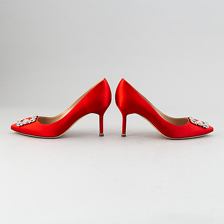 Manolo blahnik, a pair of red satin 'hangisi' shoes, 2020, size 38½.