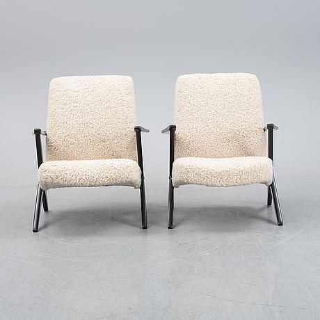 Bengt ruda, fåtöljer ett par, modell 563-037, triva kollektionen för nordiska kompaniet, formgiven 1952.