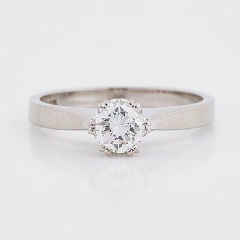 Ring med briljantslipade diamant.