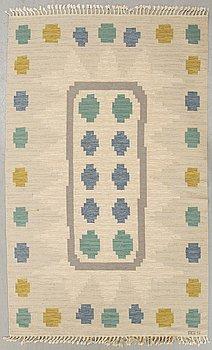 Anna Greta Sjöqvist, a signed flat weave carpet ca 250 x 167 cm.