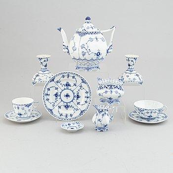 Royal Copenhagen, a tea- and coffee porcelaine service, Denmark (46 pieces).