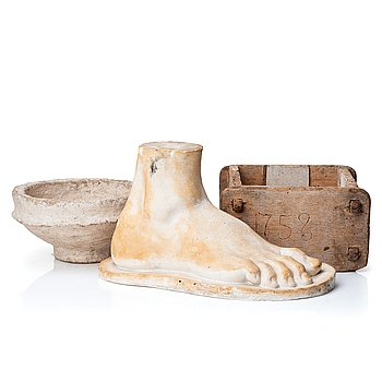 A mixed lot comprising a sculpture, a 19th century wooden cheese mold and a painted papier maché bowl.