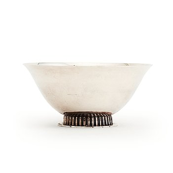 A Swedish silver bowl, makers's mark Ceson, Gothenburg, 1979.