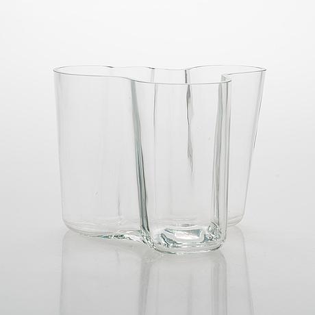 Alvar aalto, a '3030' vase signed alvar aalto 3030.