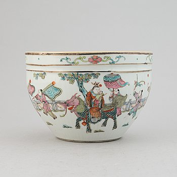 Kruka, porslin. Qingdynastin, sent 1800/tidigt 1900-tal.