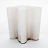 Alvar aalto, a '3031' vase signed alvar aalto. signed with incorrect model number (3030). 1950s.