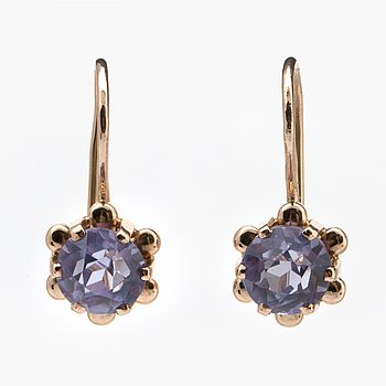 Earrings 14K gold 2 synthetic sapphires approx 6 mm, hook fittings.