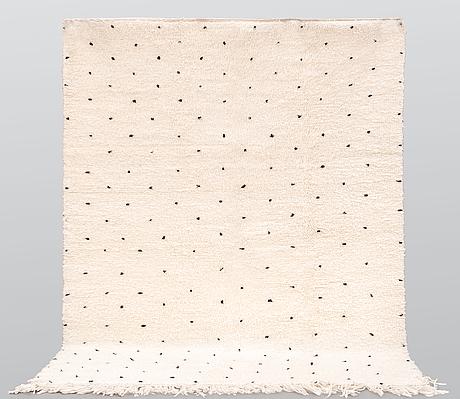 A moroccan carpet, 254 x 160 cm.