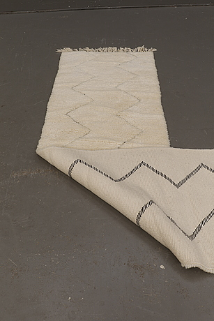 A moroccan runner carpet, 290 x 70 cm.