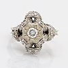 Ring 18k whitegold 1 brilliant and single-cut diamonds approx 0,25 ct and 0,05 ct, size approx 48.