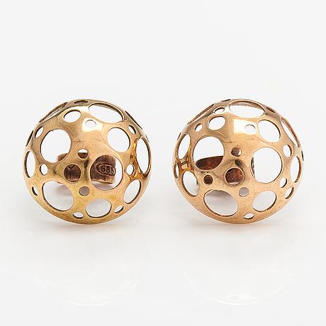 "Liisa vitali, a pair of 14k gold earrings ""leppäkerttu"". westerback, helsinki 1975."