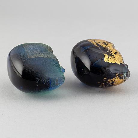 Bertil vallien, two glass sculptures 'brains', kosta boda.