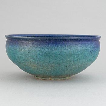Bo Scullman, a stoneware bowl.