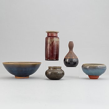 Rolf Palm, a set of two stoneware vases and three stoneware bowls.