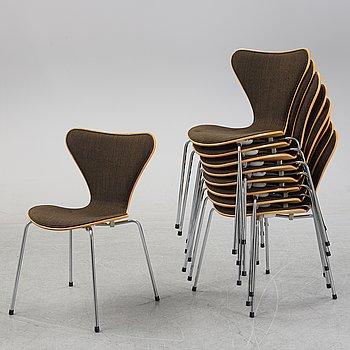 """Arne Jacobsen, stolar, 9 st, """"Sjuan"""", Fritz Hansen, Danmark, 1982."""