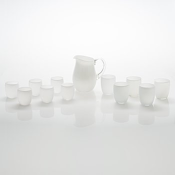 Maire Gullichsen, a pitcher and 11 drinking glasses for Iittala, latter half of 20th century.