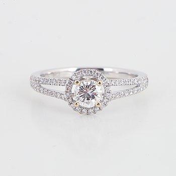 Ring, 18K vitguld med diamanter.