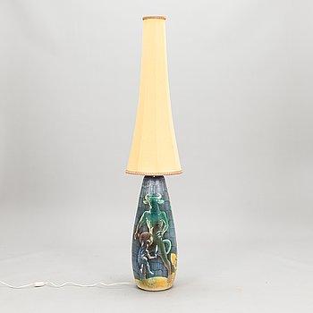 """Marian Zawadzki, Lattiavalaisin, keramiikkaa, signeerattu """"Demoner M.Z. 1963"""". Tilgmans Keramik, Ruotsi."""