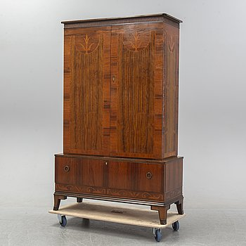 Erik Chambert, attributed to, a 1920's-30's Swedish Grace cabinet.