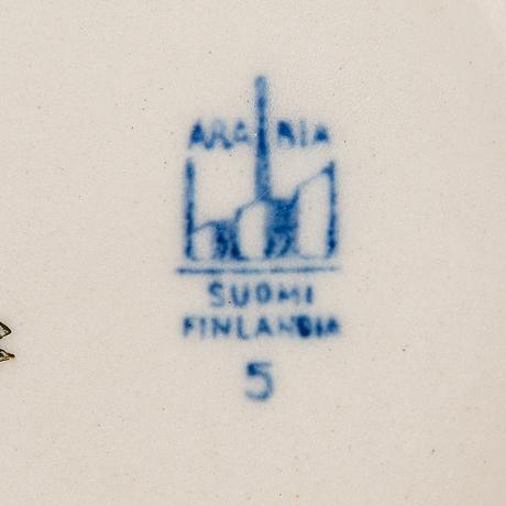 Kannuja, 6 kpl, fajanssia, arabia, 1930-40-luku.