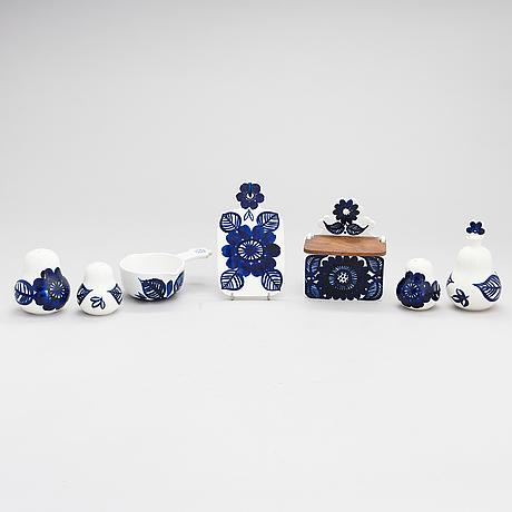 "Gunvor olin-grönqvist, a 8-piece porcelain tableware set ""köökki"" for arabia, latter part of the 29th century."