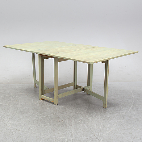 A painted gate-leg table, first half of the 19th century.