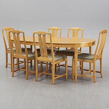 Carl Malmsten, matbord och 6 stolar, 'Herrgården' respektive 'Ambassadör' 1900-talets andra hälft.