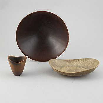 Carl-Harry Stålhane, a stoneware bowl, a dish and and a vase for Rörstrand.