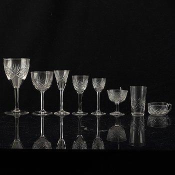 An 82 pcs glass service, 20th century.