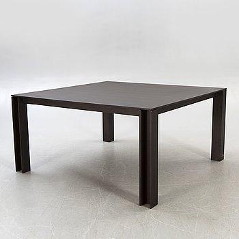 A Minotti wooden table 21 st century.