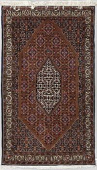 Matto, Oriental, ca 175 x 103-108,5 cm.